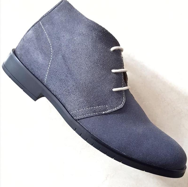 calzatura-in-camoscio-da-uomo-col-grigio